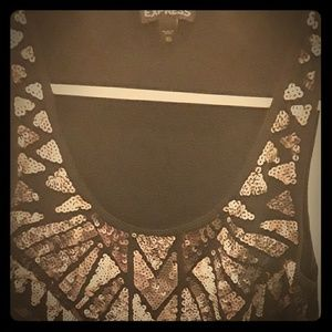 Gorgeously detailed tank with sequins